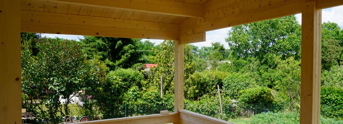 Abdeckung für die Fenster des Ferienhauses